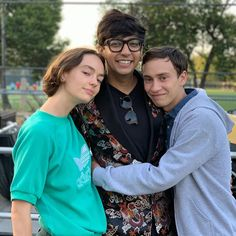 Movies Showing, Movies And Tv Shows, Series Movies, Tv Series, Casey Atypical, Brigette Lundy Paine, Tv Show Couples, Three Best Friends, First Tv