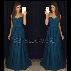 Vestido festa azul petróleo tomara que caia decote princesa