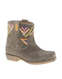 Boots by Park Lane\n\n-\nMade from soft suede\n\n-\nMulti-coloured embroidered design\n\n-\nPull tabs to sides\n\n-\nStacked heel\n\n-\nSquare toe
