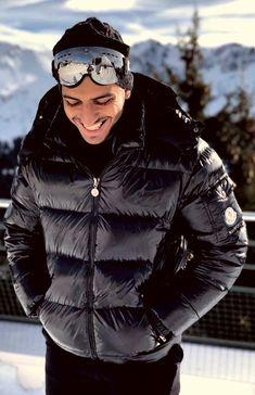 Cool Jackets, Winter Jackets, Winter Fashion, Men's Fashion, Puffy Jacket, New Wardrobe, Moncler, Beautiful Men, Hot Guys