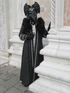 Budget travel venice carnival costumes, st marks sq… – Well come To My Web Site come Here Brom Venetian Costumes, Venice Carnival Costumes, Venetian Carnival Masks, Carnival Of Venice, Venetian Masquerade, Venice Boat, Venice Italy, Masquerade Masks, Venice Canals