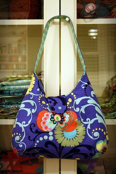 pheobe bag 2 by Knitty Nikki, via Flickr #EasyPin