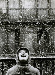 Edouard Boubat - Florence under the Snow,Paris,1950.