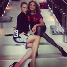 Karlie Kloss et Diane Von Furstenberg http://www.vogue.fr/mode/mannequins/diaporama/la-semaine-des-tops-sur-instagram-16/17496/image/939609#!karlie-kloss-diane-von-furstenberg