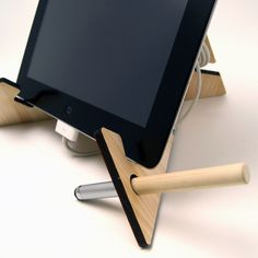 Tablet Stand- Tablet Mountain by Japan Brand   タブレットマウンテンなどのノベルティグッズはフロンティアジャパンへ