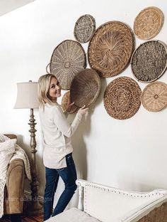 interior trends 2020, decor trends 2020, basket wall, wall decor, living room decor ideas #livingroom