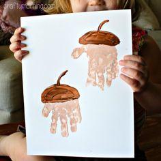 Avec de la gouache et les mains vous pourrez peindre de beaux glands!