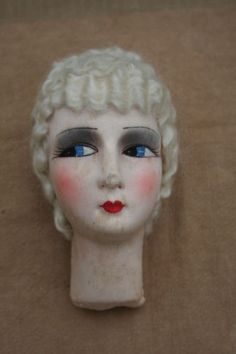 ANTIQUE-FRENCH-BOUDOIR-DOLL-BED-FACE-PARIS-1920-WHITE-WAVY-MOHAIR-HAIR-HANDMADE