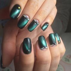 Cat eye nails, Evening nails, Fall nail ideas, Festive nails, Green nail ideas…