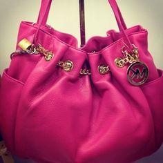 Love this purse. MK <3