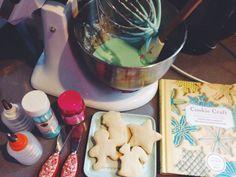 Sugar Cookies http://lovelylittledays.blogspot.ca/2013/12/a-sweet-little-mess.html