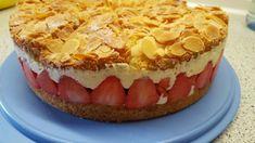 Pellwormer Bienenstich mit Erdbeeren, ein schmackhaftes Rezept aus der Kategorie Kuchen. Bewertungen: 74. Durchschnitt: Ø 4,3.