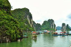 Halong Bay, Vietnam. More on my blog: http://www.reislust.com/2015/02/bestemming-in-beeld-vietnam.html #vietnam #halongbay #travel #travelblogger #asia