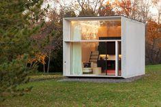 Movable pre-fab mini house by Koda