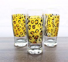 Leopard and Zebra motif hand painted beer glasses : made to order: Diameter Ø 80 mm Height 16 cm 25 cl -Baked glass for food use. -Use caution: for better resistance, wash your glass by hand, but using the dishwasher can cycle at 40 ° eco © haelwennlais Pint Glass, Hand Painted, Tableware, Artwork, Beer Glassware, Hands, Dinnerware, Work Of Art, Dishes