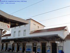 Estação de trens (comboios) em Ovar. Decorada com belos painéis em azulejos. Ovar é conhecida como a capital do azulejo ou cidade-museu do azulejo. Foto : Cida Werneck. Convido a visitar a página : https://www.facebook.com/meuolharPortugal/