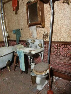 Bathroom from the Dollhouse Miniature 1:12 Scale Halloween Haunted 4 Sided Hinged Room Box