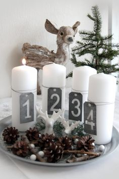 Do you want to keep your Christmas decorations nice, trendy and minimal? How about try something new this holiday season? You may want to try Scandinavian Christmas decorating. Scandinavian, also known as Nordic style, is a trendy and modern decorating& Scandinavian Christmas Decorations, Decoration Christmas, Nordic Christmas, Noel Christmas, Rustic Christmas, Xmas Decorations, Winter Christmas, Christmas Crafts, Christmas Tables