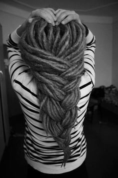 This! I'm thinking dread extensions anyway as mine have been the same length for about 2 years, black with a few blonde. This would look lovely under a veil with flowers <3