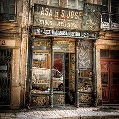 Vintage Shop, Porto, Portugal