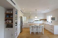 קלוז אפ: סלון ומטבח חדשים תוך חודש | בניין ודיור