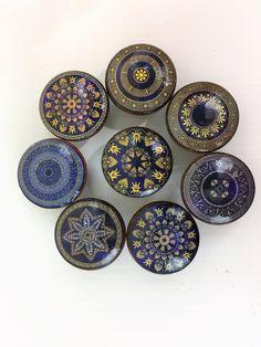 Set of 8 Roman Medallion Cabinet Knobs