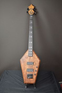 SCHECTER USA CUSTOM SHOP Coffin Bass Aged Vintage Tint NAMM SHOW