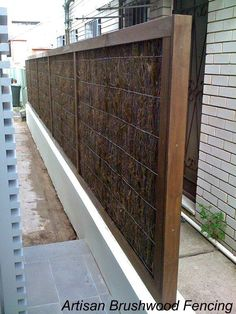 Brushwood fencing sydney Contractors & Suppliers of( NEVER SAG) Brushwood panels