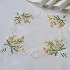 Tobin Wildflowers Stamped Oblong Tablecloth for Embroidery Embroidery Stitches, Embroidery Patterns, Hand Embroidery, Machine Embroidery, Bordados E Cia, Heirloom Sewing, Machine Design, Cotton Bedding, Brazilian Embroidery