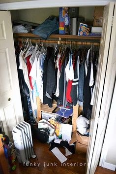 Donna's closet before she wrought Gorm magic upon it...
