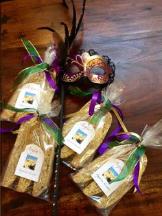 Mardi Gras party favors Mardi Gras Party Theme, Mardi Gras Decorations, Party Themes, Party Ideas, Gift Ideas, New Orleans Party, Baby Sprinkle, 21st Birthday, Party Planning