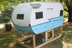 vintage trailer coop, outside view MUST HAVE . .. when I get a house I can have chickens!