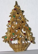 RARE Potted Mylu Christmas Tree Pin...first time I've ever seen this Mylu!