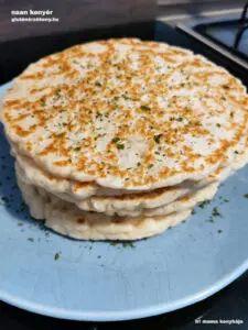 Gluténmentes naan kenyér   Iri mama konyhája   gm kenyérsütés Naan, Pancakes, Breakfast, Food, Morning Coffee, Essen, Pancake, Meals, Yemek