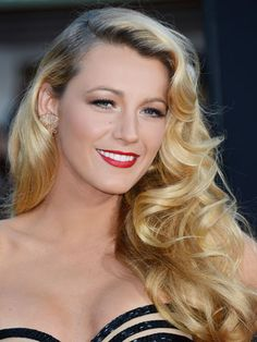 Gossip Girl's Blake Lively's Voluminous Waves Hairstyle