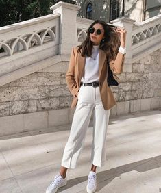 fashion and style ✨ ( Casual Work Outfits, Blazer Outfits, Mode Outfits, Classy Outfits, Stylish Outfits, Dressy Summer Outfits, White Pants Outfit, Business Casual Outfits, Professional Outfits
