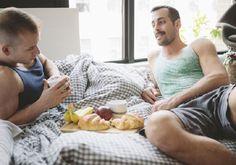 Revista Zero  ¿Cuántos americanos creen que el SEXO GAY es DELITO? ¿Considerarías el sexo gay como un delito? Obviamente no, pero hay mucha gente que aún lo cree. Ojo, que estamos en 2017 y que esta pregunta aún se haga dice mucho de nosotros. Pero también hoy en día los derechos de las mujeres …