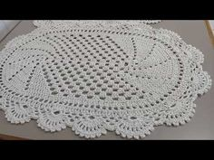 Crochet Doilies, Crochet Top, Crochet Hats, Applique Templates, Floor Rugs, Couture, Crochet Projects, Knitting Patterns, Make It Yourself