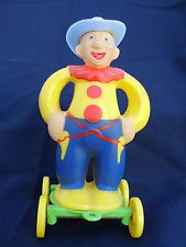 OLD VINTAGE 1950s HARD PLASTIC ROSBRO / E. ROSEN COWBOY CLOWN CANDY CONTAINER
