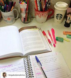 O sistema de contabilidade do aluno pode afetar a conveniência de diários eletrônicos e outros sistemas de informações da escola? A informatização da educação frequentemente, em vez de facilitar o… E Online, Bullet Journal, Base, High School Diploma, Accounting, Study, School, Tips
