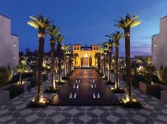 Spoil yourself in this amazing hotel in Marrakech. Desige Decors presents to you the Four Seasons Resort in Marrakech. Four Seasons Marrakech, Four Seasons Hotel, Riads In Marrakech, Marrakech Morocco, Marrakech Hotels, Hotels And Resorts, Best Hotels, Luxury Hotels, Amazing Hotels
