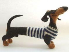 One long weiner dog! Paper Mache Animals, Felt Animals, Needle Felted Animals, Needle Felting, Dachshund Art, Daschund, Paper Mache Sculpture, Felt Dogs, Wool Art