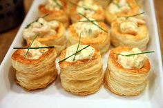 IKEA Swedcook Class – Cold Shrimp with Mayo in Vol-au-vent shells Party Snacks, Appetizers For Party, Appetizer Recipes, Snack Recipes, Cooking Recipes, Swedish Recipes, Sweet Recipes, Mini Vol Au Vent, Kitchen Aid Recipes