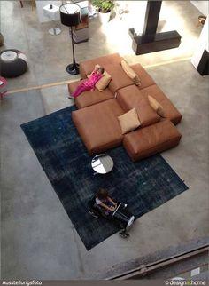 ausstellung_designathome_living_divani_extrasoft_sofa.jpg
