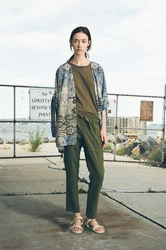 Sea - Spring 2015 Ready-to-Wear - Look 42 of 46 Fashion Wear, Spring Fashion, Fashion Show, Fashion Design, Mode Cool, Trend Council, Sweatpants Outfit, Facon, Military Fashion