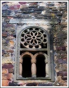 detalle de San  Miguel de Lillo  Oviedo Asturias  Prerománico