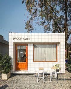Cafe Shop Design, Cafe Interior Design, Interior Exterior, Store Design, House Design, Small Coffee Shop, Coffee Shop Bar, Facade Design, Architecture Design