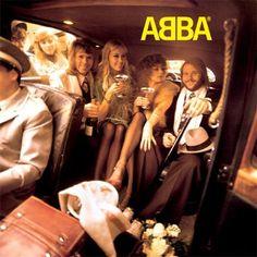 J'aime Abba beaucoup. En nettoyant ma chambre, j'ecoute a mon disque d'Abba. Il est seulement normal que je chante. Je ne sais pourquoi, mais il se passe. Le chansons d'Abba m'égayent.