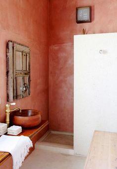 Terracotta home decor trends we love on 100 Layer Cake Bad Inspiration, Bathroom Inspiration, Interior Inspiration, Bathroom Ideas, Bathroom Styling, Color Terracota, Tadelakt, Interior Decorating, Interior Design