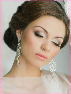 Simple Wedding Makeup Looks & Makeup Ideas  #WeddingMakeupNatural #WeddingMakeupForBlones #WeddingMakeupForBlue
